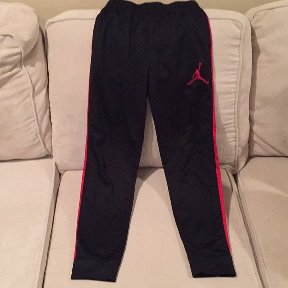 987a7b25b825c0 Boys size 12 to 14 Air Jordan sweatpants. M 5bf4ceb48ad2f945650e6aab